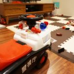 おもちゃとチェストの収納(前)